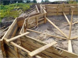opalubka-lentochnogo-fundamenta